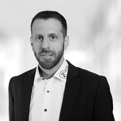 Tobias Bayer
